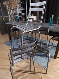 chaises priv es chaise metal affordable chaise metal et bois with chaise metal