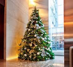 Large Christmas Decorations For Pubs by 10 Holiday Decoration Ideas For Your Lobby John Mini