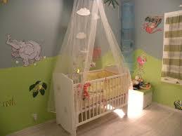 chambre bebe verte deco chambre bebe gris vert famille et bébé