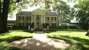 Elvis Presley Home by Inside Elvis Presley U0027s Graceland Personal Finance