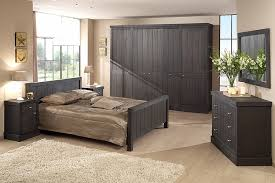 decoration des chambres de nuit beautiful chambre a coucher moderne en bois images design