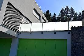 edelstahl balkon mit glas geländer metallwerkstatt weissmann wendeltreppen balkone