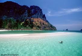 koh poda beach krabi thailand the sandbar that makes a beach