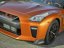 nissan gtr r35 2017 2017 nissan gt r brings new styling details and more power w video