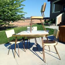 How To Spray Paint Patio Furniture How To Make Over A Vintage Vinyl Dinette Set Using Spray Paint