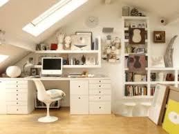 bureau sous pente optimiser espace bureau sous les combles par mademoiselleido