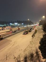 Winter Lane Light Flurries by Portland Winter Weather Snow Brings Metro Area To A Crawl Live
