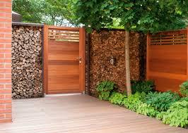 cloture jardin bois clôture de jardin à barreaux en bois vista a osmo uk