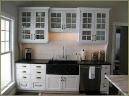 how to choose kitchen cabinet hardware choosing hardware door hardware trends best cabinet hardware
