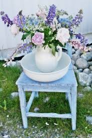 Shabby Chic Flower Arrangement by 129 Best Country Flower Arrangements Images On Pinterest Flowers