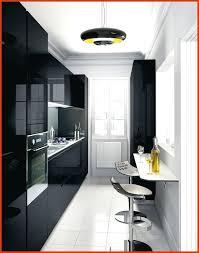 la cuisine des petits cuisine équipée inox luxury cuisine dans petit espace avec cuisine