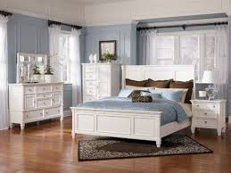 6 piece queen bedroom sets captivating white queen bedroom sets avalon white 6 piece queen