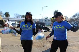 thanksgiving volunteer los angeles ucla volunteers help more than 3 000 veterans and others enjoy