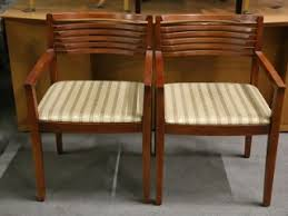 Knoll Reception Desk Knoll Armless Guest Chairs With Honey Frame Reception Chairs