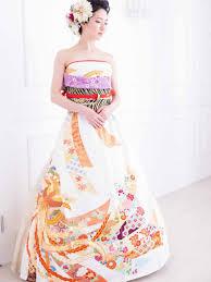 brides in japan their traditional kimonos wedding dresses azzme
