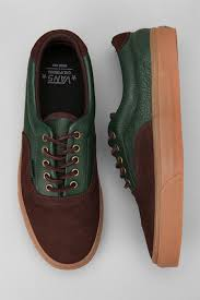 Sho Acl shoes for guys to wear to grab a drink at trio and a show at