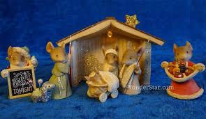 mouse nativity with lighted stable