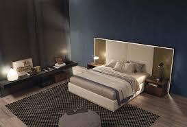 Schlafzimmer Bett Mit Led Gepolstertes Bett Mit Großem Kopfteil Mit Led Leuchten Idfdesign