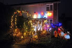 christmas house lights in woking and chobham get surrey