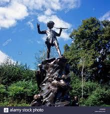 sculpture peter pan kensington gardens london