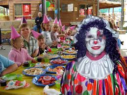 rent a clown for birthday party new castle pa party clown cuddles the balloon animals