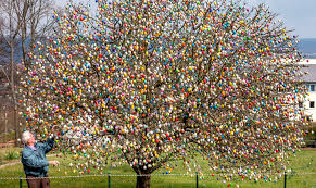 easter egg tree german easter egg trees happy easter 2017