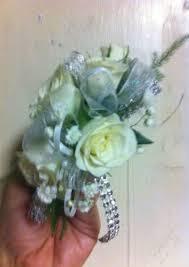 Prom Wristlets W103 Prom Wristlet In Desoto Tx De Soto Florist