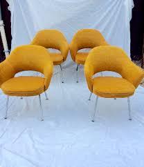 chaise saarinen de 4 fauteuils conférence saarinen knoll chaises tabourets