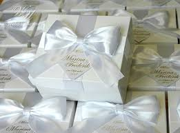 wedding gift bows 84 best wedding bonbonniere images on candy boxes