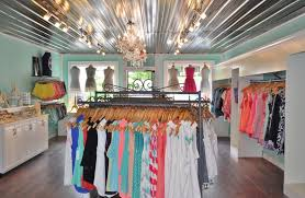 boutique clothing shopping in the blue ridge mountains of