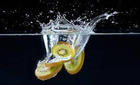 drink splash beverage pour splash photographers kiwi splash 19