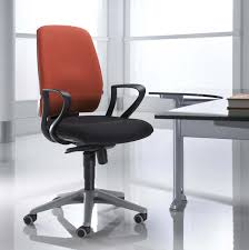 Desk Chairs Modern by Modern Office Chairs With Ergonomic Shape Designs Traba Homes