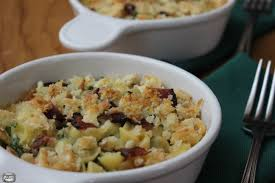 creamy macaroni and cheese with kale and bacon constantly cooking