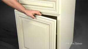 Lily Ann Kitchen Cabinets by Lily Ann Cabinets Charleston Antique White Cabinet Features Youtube