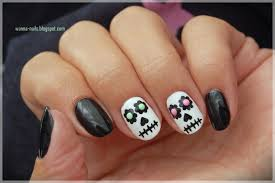 sugar skulls wanna see my nails