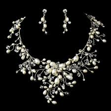 vintage wedding necklace images Dramatic freshwater pearl and crystal wedding jewelry set jpg