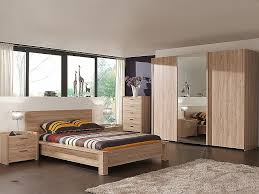 armoire moderne chambre chambre a coucher moderne en bois massif awesome meuble