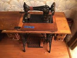 Antique Singer Sewing Machine And Cabinet Antique 1910 Singer Sewing Machine W Treadle Cabinet Ebay