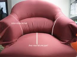 comment refaire un canapé en tissu couverture bosse fauteuil crapaud déco ameublement