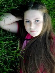 Frisuren Lange Haare Rot by Kostenlose Foto Gras Person Mädchen Frau Haar Fotografie