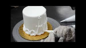designing a cake out with buttercream easy cake decorating ideas