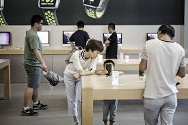 apple is planning its first retail store on this archrival u0027s home
