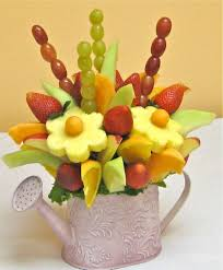 how to make fruit arrangements how to make a do it yourself edible fruit arrangement fruit