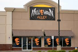when is spirit halloween open boo windsor u0027s halloween 2016 stores windsoritedotca news