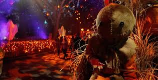 past themes of halloween horror nights the rumor queue trick r treat and more rumors for hhn 2018