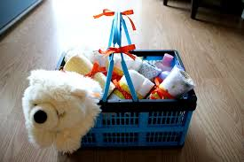 how to make a baby shower gift basket with the 16l clevercrate