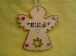 2017 personalised wooden shaped tree hanger