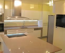 plan de travail cuisine quartz ou granit plan de travail de cuisine