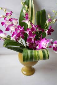 Modern Flower Vase Arrangements Modern Flower Arrangement Luna Vinca