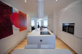 tableau cuisine design cuisine épurée avec tableau contemporain rigate design